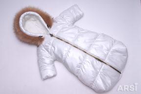 Зимний-комбинезон-мешок-для-новорожденного-молочного-цвета-фото-2