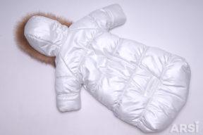 Зимний-комбинезон-мешок-для-новорожденного-молочного-цвета-фото-4