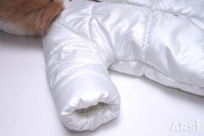 Зимний-комбинезон-мешок-для-новорожденного-молочного-цвета-фото-5